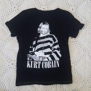 Tops - Kurt cobain graphic tee